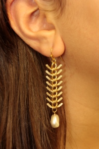 Fishbone Pearl Earrings